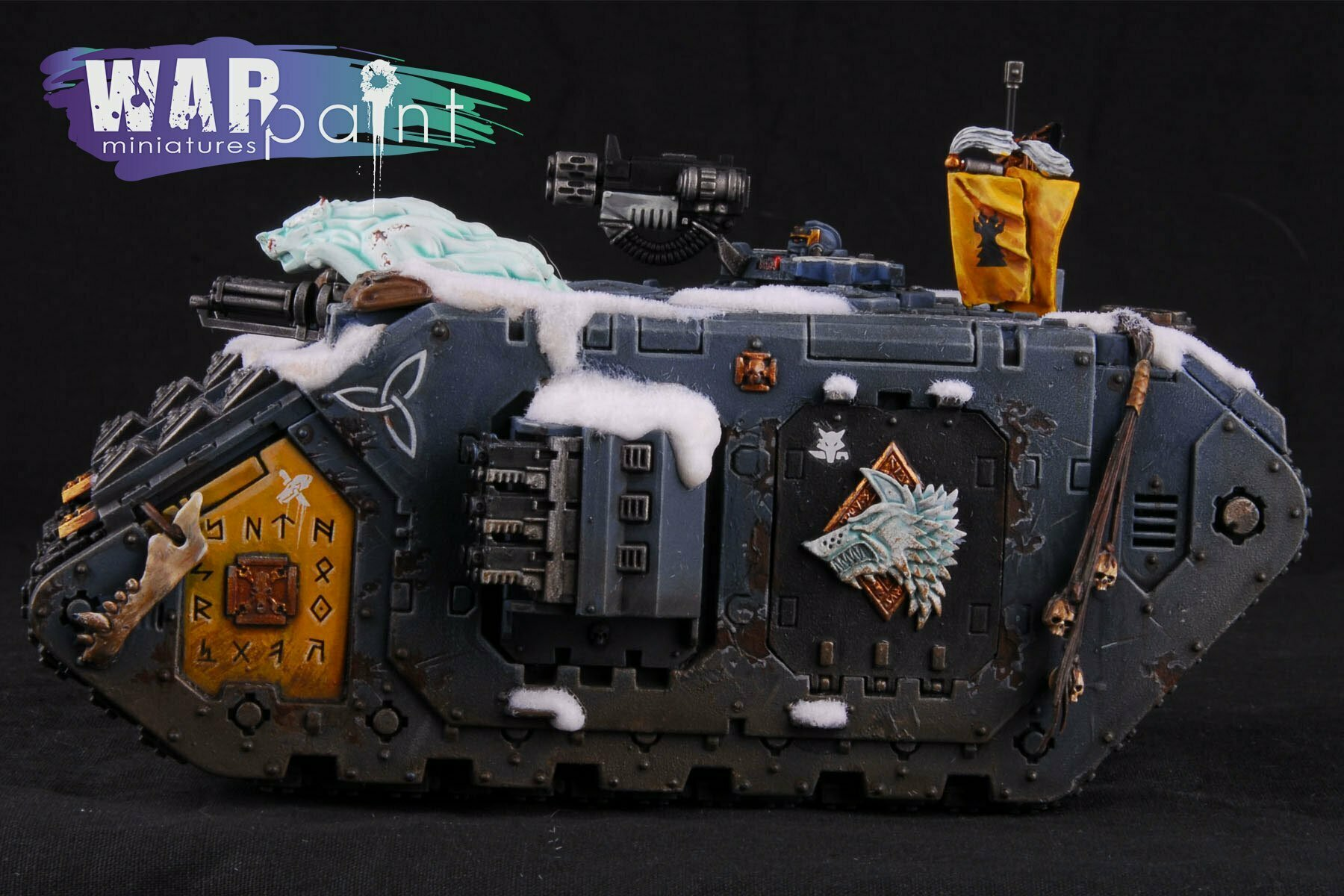 Space-Wolves-Landraider-4